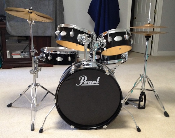 used 5 piece pearl export series drum set for sale in cary letgo. Black Bedroom Furniture Sets. Home Design Ideas