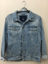 Zara men's denim jacket  Maple Ridge, V2X 3S6