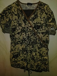 white and black floral scrub shirt Lubbock, 79410
