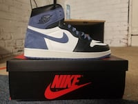 unpaired black and white Air Jordan 1 shoe with box Davenport