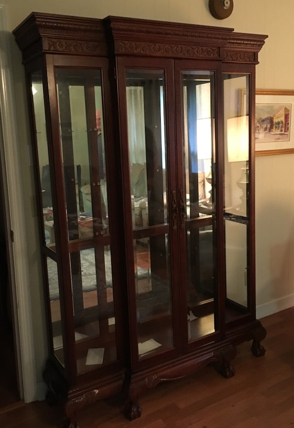 Brown Wooden Frame Clear Glass Curio Cabinet With Lights And 4 Glass Shelves