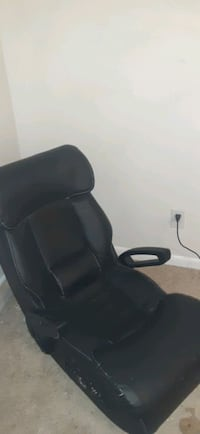 Game chair 25 $