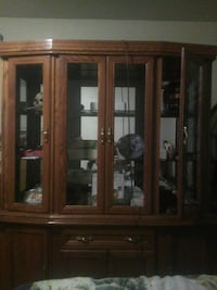 display case with lights and hutch Guelph, N1H 6Y2