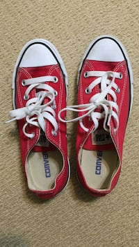 Red and white converse low top sneakers Pickering