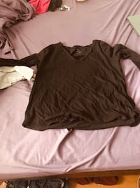 brown crew-neck long-sleeved shirt Whitby, L1N 8P4