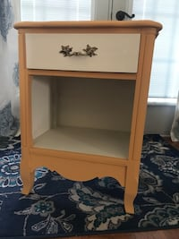 Vintage nightstand or end rable