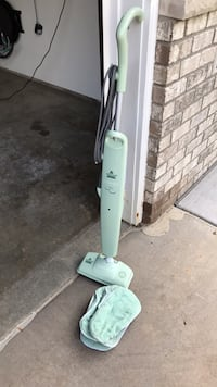 Steam mop with 6 washable fitted pads Maplewood, 55109
