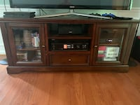 Entertainment Center Woodbridge, 22192