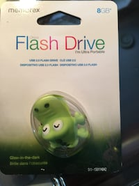 8GB. Flashdrive Frog Glow in dark Orillia, L3V 7X3
