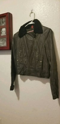 Brown faux leather jacket size small Yukon, 73099