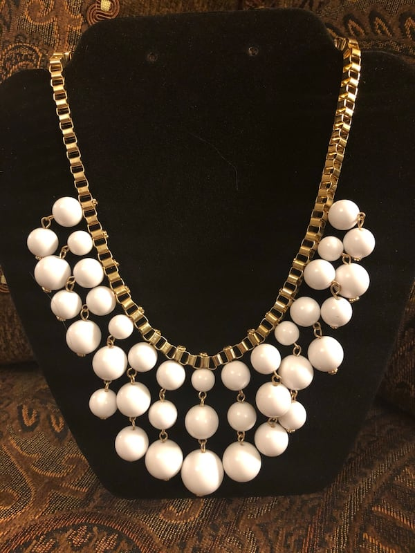 White Statement Necklace f5cdfb93-df24-4caf-bf56-3482b0832b08