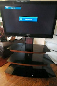 Samsung 40' TV with stand.  Baltimore, 21229