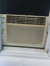 white window-type air conditioner Mississauga, L4T 2B7