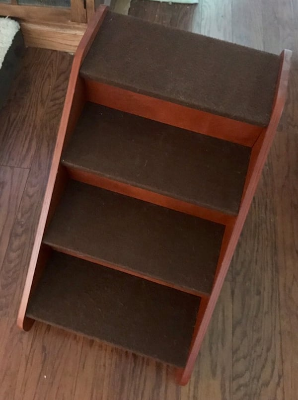 Wood Pet Stairs 38a7f340-12a7-40b9-a1d5-c1ee34be546d