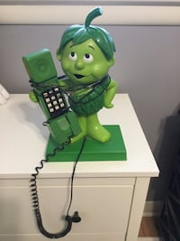 Retro little green sprout phone.
