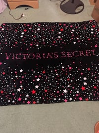 Victoria's Secret full size plush blanket  Ocala, 34472