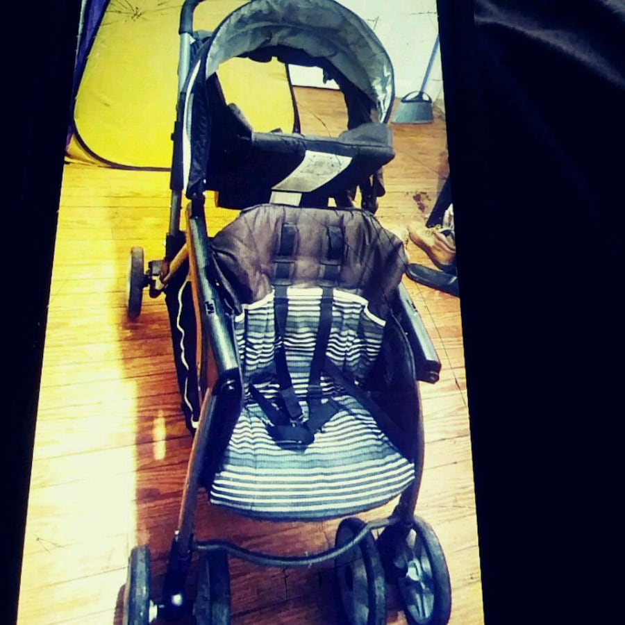 Used Graco double stroller with infant seat