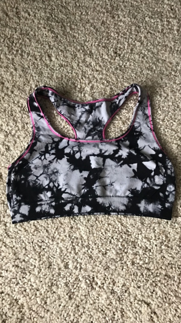81f319acc6 Used women s gray and black sports bra for sale in Flower Mound - letgo