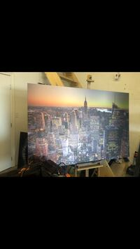 New York skyline printed on brushed aluminum 6' x4' large this picture is $1250 to buy I will let it go $400 Mississauga, L4Z 0A7