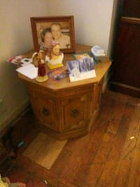 End table French style Birmingham, 35212