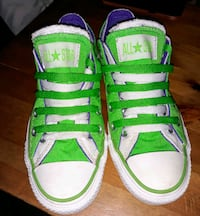 CONVERSE LOW TOPS WOMANS SIZE 5