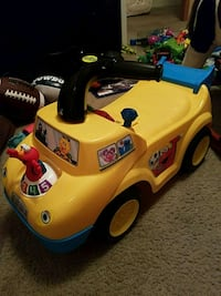yellow and black ride-on toy car San Marcos, 78666