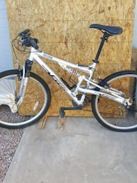 Genesis mountain bike SCOTTSDALE