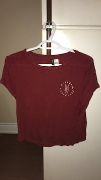 Womeh&m maroon crew-neck cap-sleeved blouse