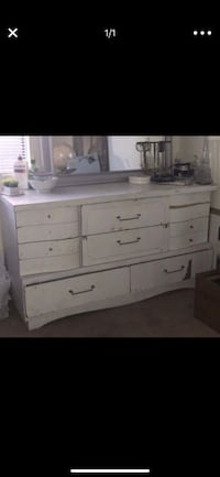 White wooden dresser mirror not included Bakersfield, 93306