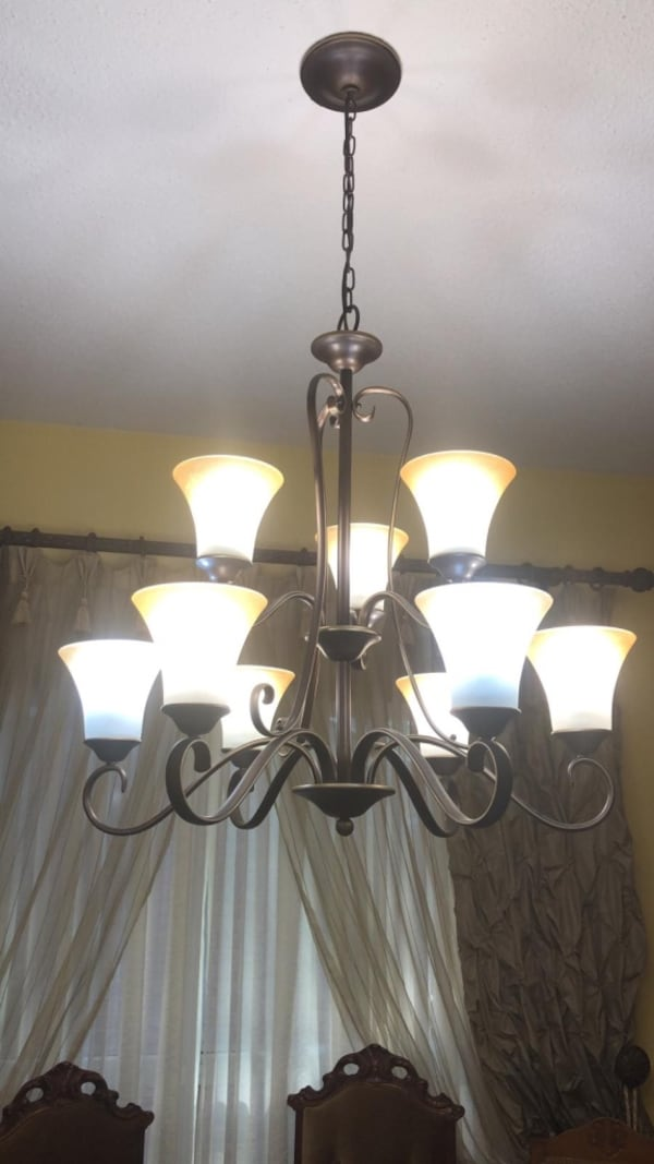 Various ceiling lights and fans 714a51c3-4fbc-4beb-8733-ca6458114125