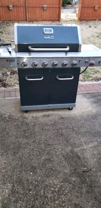6 Burner gas grill with searer and LED lights Clinton, 20735