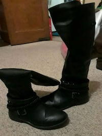 Black Knee High Boots Size 8 Peoria, 61604