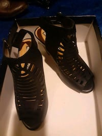 Audrey Brooke open toed shoes price negotiable  Gaithersburg