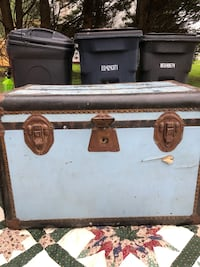 Vintage Rauchbach-Goldsmith LARGE steamer trunk 16 mi