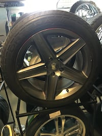 09 SRT-8 20 inch Take offs 5x127 slightly used but In great condition $899.99!  Indianapolis, 46227