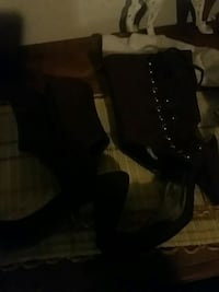 pair of black leather boots Crimora, 24431