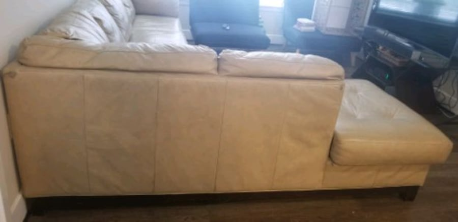 MUST GO!! Leather Sectional/ Ottoman. Make Offer 7