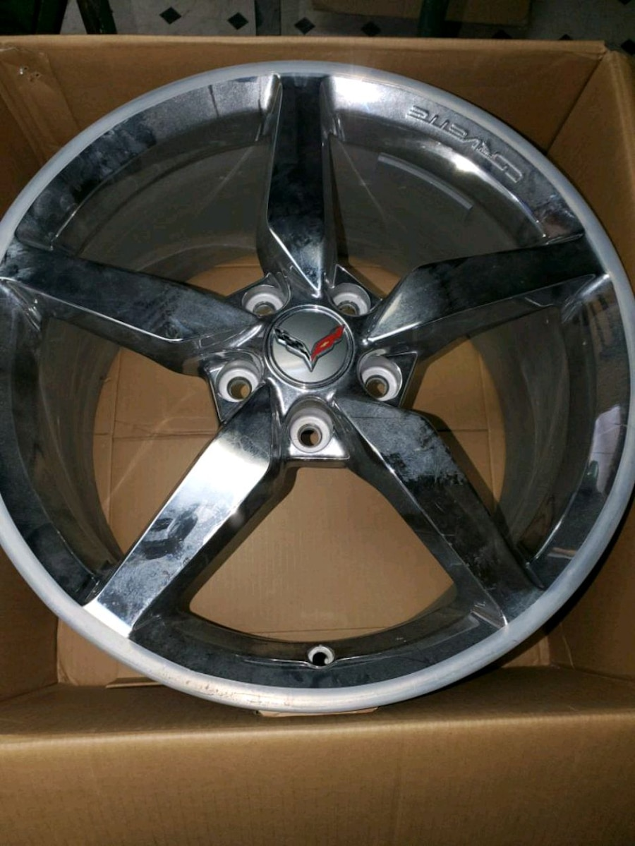Photo 4 Rims from 2014 Corvette. 18 front and 19  rear.