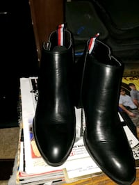 pair of black leather boots Chesapeake, 23320