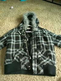 black and gray plaid button-up hoodie 2240 mi