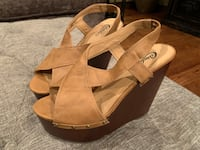 Wedge heels, size 7. Worn once! Sioux Falls, 57103