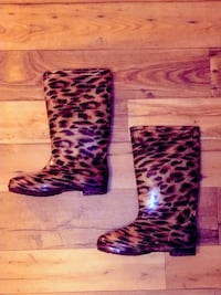 pair of brown-and-black leopard print rain boots Columbia, 21044