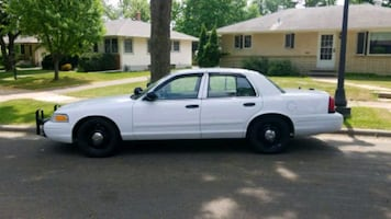 Ford - Crown Victoria - 2012