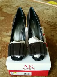 black leather peep-toe heels Alexandria, 22304