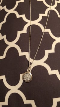 silver-colored circlependant necklace Vaughan, L4L 1E9