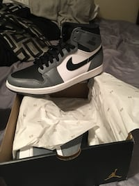 pair of white-and-black Nike sneakers Odessa, 79764