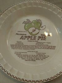 Apple pie plate with recipe chip on back Hattiesburg