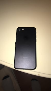black iPhone 7 with case 788 km