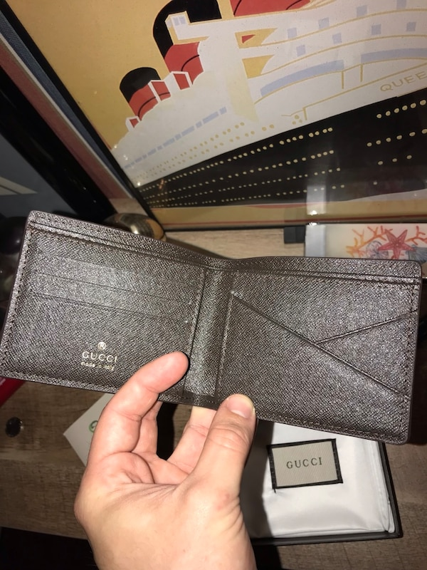 bf78819807a64f Brukt New Gucci snake wallet with box and dust bag til salgs i ...
