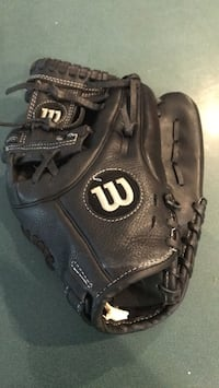 Little league baseball glove Wilson A-500 Erie, 16506